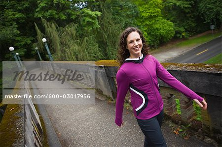 Woman on Bridge in Arboretum, Seattle, Washington, USA Stock Photo - Premium Royalty-Free, Image code: 600-03017956