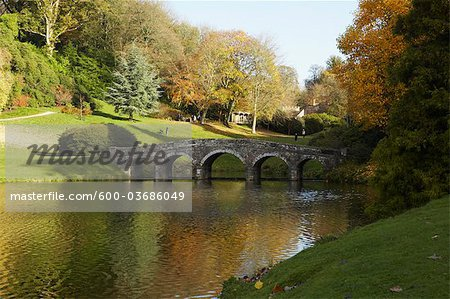 Bridge over Pond, Stourhead, Wiltshire, England Stock Photo - Premium Royalty-Free, Image code: 600-03686049