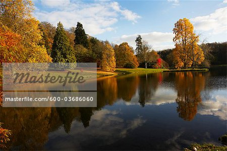 Autumn in Stourhead, Wiltshire, England Stock Photo - Premium Royalty-Free, Image code: 600-03686060