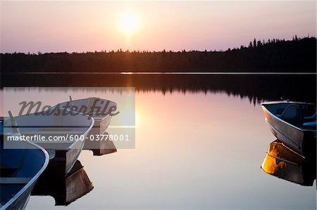 Fishing Boats, Otter Lake, Missinipe, Saskatchewan, Canada Stock Photo - Premium Royalty-Free, Artist: Chris Hendrickson, Code: 600-03778001