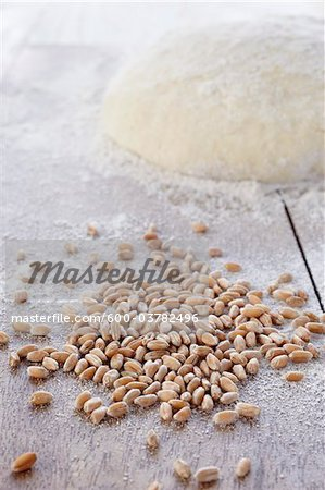 Cereal Grain and Mound of Dough Stock Photo - Premium Royalty-Free, Image code: 600-03782496