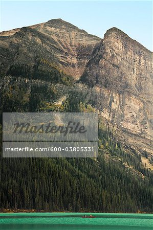 Lake Louise, Banff National Park, Alberta, Canada Stock Photo - Premium Royalty-Free, Image code: 600-03805331