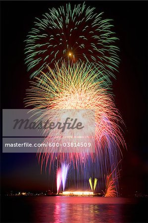 Fireworks, English Bay, Vancouver, British Columbia, Canada Stock Photo - Premium Royalty-Free, Image code: 600-03814509