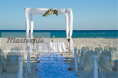 Canopy for Wedding on Beach, Reef Playacar Resort and Spa, Playa del Carmen, Mexico Stock Photo - Premium Royalty-Free, Image code: 600-03849169