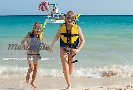 Girls in Snorkeling Gear on Beach, Reef Playacar Resort and Spa, Playa del Carmen, Mexico Stock Photo - Premium Royalty-Free, Image code: 600-03849557