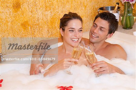 Couple in Jacuzzi, Reef Playacar Resort and Spa, Playa del Carmen, Mexico Stock Photo - Premium Royalty-Free, Image code: 600-03849679