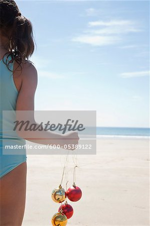 Girl On Beach, Camaret-sur-Mer, Finistere, Bretagne, France Stock Photo - Premium Royalty-Free, Image code: 600-05389122