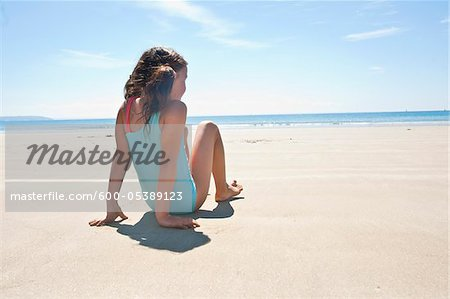 Girl On Beach, Camaret-sur-Mer, Finistere, Bretagne, France Stock Photo - Premium Royalty-Free, Image code: 600-05389123