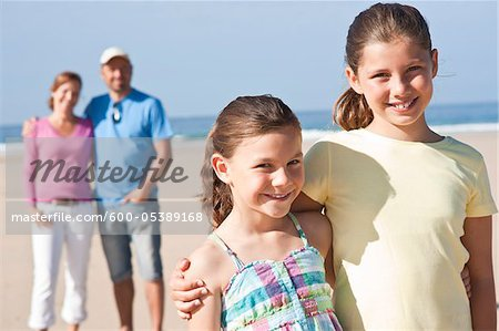 Family on Beach, Camaret-sur-Mer, Finistere, Bretagne, France Stock Photo - Premium Royalty-Free, Image code: 600-05389168