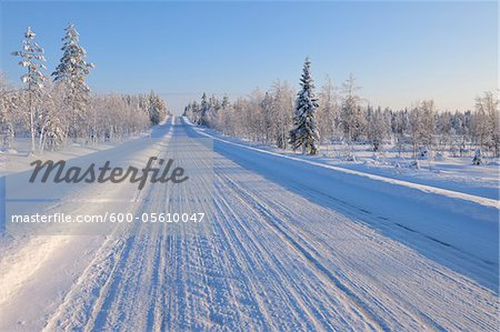 Snow Covered Road, Kuusamo, Northern Ostrobothnia, Finland Stock Photo - Premium Royalty-Free, Image code: 600-05610047