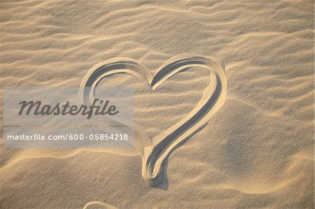 Heart Drawing on Sand, Biscarrosse, Landes, Aquitaine, France Stock Photo - Premium Royalty-Free, Image code: 600-05854218