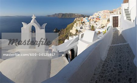 Oia, Santorini Island, Cyclades Islands, Greek Islands, Greece Stock Photo - Premium Royalty-Free, Image code: 600-06125817