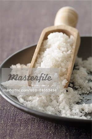 Close-up of Bowl of Coarse Salt with Scoop Stock Photo - Premium Royalty-Free, Image code: 600-06553494