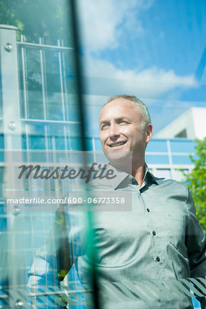 Portrait of Businessman Outdoors, Mannheim, Baden-Wurttemberg, Germany Stock Photo - Premium Royalty-Free, Image code: 600-06773358