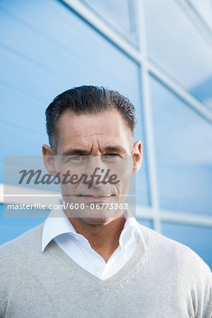 Portrait of Businessman Outdoors, Mannheim, Baden-Wurttemberg, Germany Stock Photo - Premium Royalty-Free, Image code: 600-06773362