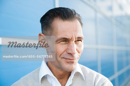 Portrait of Businessman Outdoors, Mannheim, Baden-Wurttemberg, Germany Stock Photo - Premium Royalty-Free, Image code: 600-06773365