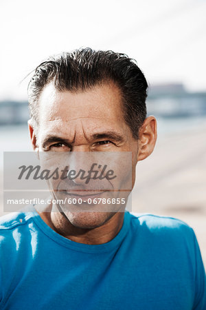 Close-up portrait of mature man outdoors, looking to the side Stock Photo - Premium Royalty-Free, Image code: 600-06786855