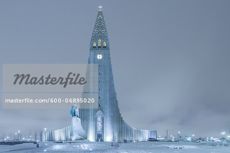 Statue of Leifur Eiriksson and Hallgrimskirkja, Reykjavik, Iceland Stock Photo - Premium Royalty-Free, Image code: 600-06895020