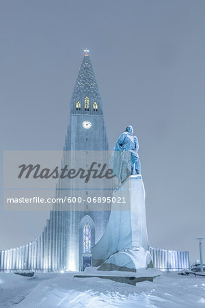 Statue of Leifur Eiriksson and Hallgrimskirkja, Reykjavik, Iceland Stock Photo - Premium Royalty-Free, Image code: 600-06895021