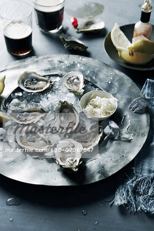 Plate of Oysters, Studio Shot Stock Photo - Premium Royalty-Free, Image code: 600-07067647