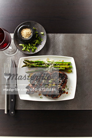 Overhead View of Steak and Asparagus, Studio Shot Stock Photo - Premium Royalty-Free, Image code: 600-07110684