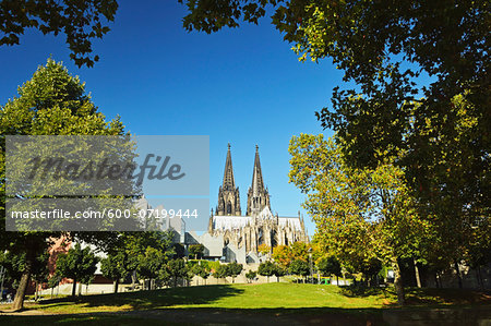 Cologne Cathedral, Cologne, North Rhine-Westphalia, Germany Stock Photo - Premium Royalty-Free, Image code: 600-07199444