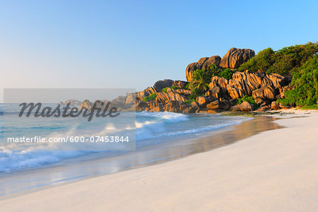 Waves hitting Beach, Grand Anse in Morning, La Digue, Seychelles Stock Photo - Premium Royalty-Free, Image code: 600-07453844