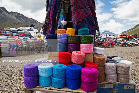 Roadside Weaving Vendor, Altiplano Region, Peru Stock Photo - Premium Royalty-Free, Image code: 600-07529087