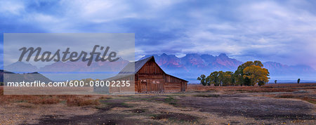 Moulton Barn with Teton Range at Sunrise in Autumn, Grand Teton National Park, Wyoming, USA Stock Photo - Premium Royalty-Free, Image code: 600-08002235
