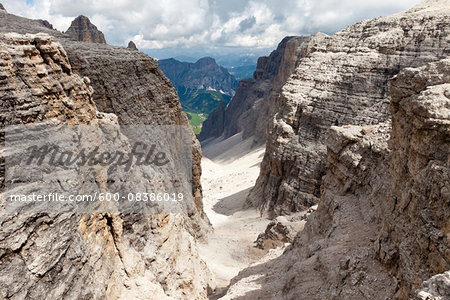 Scenic view of the wild Val Mesdi (Midday Valley) in the Sella Group, Dolomites, Trentino Alto Adige, Italy Stock Photo - Premium Royalty-Free, Image code: 600-08386019