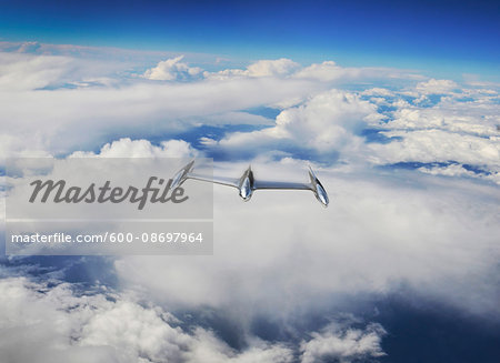 View of Approaching UFO Stock Photo - Premium Royalty-Free, Image code: 600-08697964