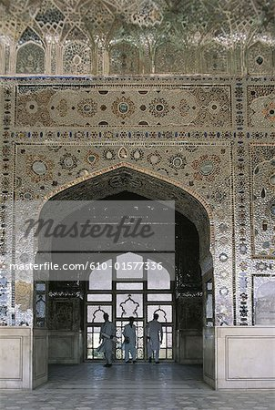 """Pakistan, Punjab, Lahore, fort, inside the Crystal Palace also called """"Sheesh Mahal"""", arch"""