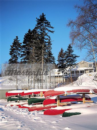 Canada, Quebec, Matawinie Lake, canoes Stock Photo - Premium Royalty-Free, Image code: 610-02373793