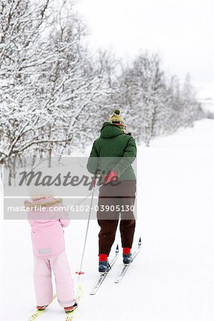 Mother and daughter skiing, Sweden. Stock Photo - Premium Royalty-Free, Image code: 6102-03905130