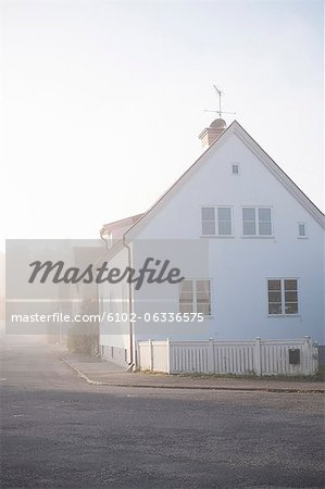 Heat haze in residential district Stock Photo - Premium Royalty-Free, Image code: 6102-06336575