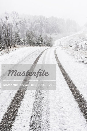 Winter road Stock Photo - Premium Royalty-Free, Image code: 6102-08120212