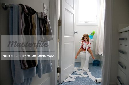 Knack Raising Your Toddler outtakes Stock Photo - Premium Royalty-Free, Image code: 6106-05407982