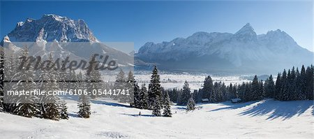 winter in tirol - lermoos Stock Photo - Premium Royalty-Free, Image code: 6106-05441741