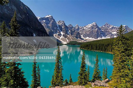 Moraine, Lake, Banff Nationalpark, Alberta Stock Photo - Premium Royalty-Free, Image code: 6106-06335691