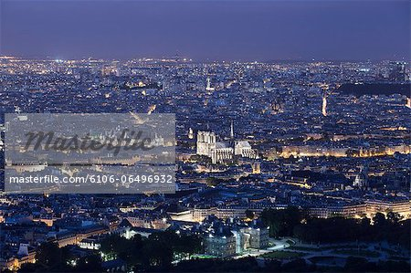 Elevated view of the center of Paris at night Stock Photo - Premium Royalty-Free, Image code: 6106-06496932