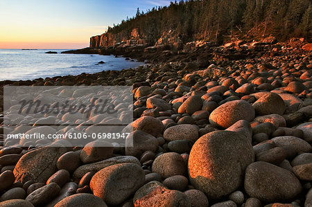 USA, Maine, Acadia National Park, Otter Cliffs and beach at sunrise Stock Photo - Premium Royalty-Free, Image code: 6106-06981947