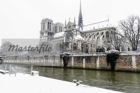Paris in White - Notre Dame Stock Photo - Premium Royalty-Free, Image code: 6106-07070570