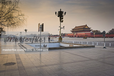 Tiananmen Square, Gate of Heavenly Peace at dusk Stock Photo - Premium Royalty-Free, Image code: 6106-07350109