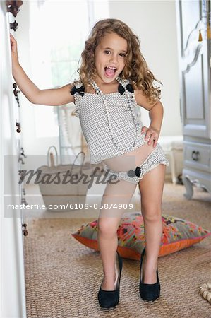 little girls in pants images - usseek.com