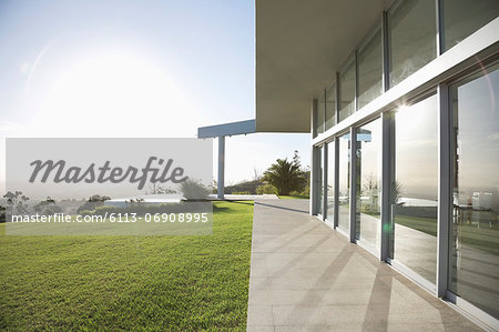 Modern building and manicured lawn Stock Photo - Premium Royalty-Free, Image code: 6113-06908995