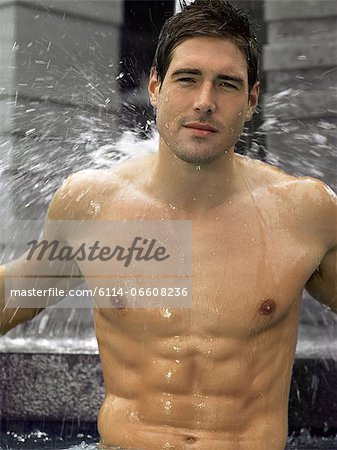 Man showering Stock Photo - Premium Royalty-Free, Image code: 6114-06608236