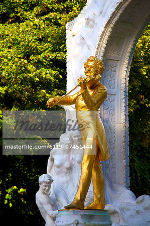 Statue of Johann Strauss, Stadtpark, Vienna, Austria, Central Europe Stock Photo - Premium Royalty-Free, Image code: 6119-07451444