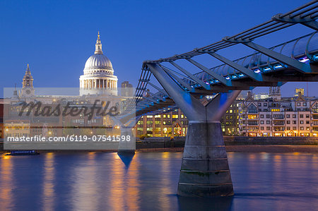 River Thames, Millennium Bridge and St. Paul's Cathedral at dusk, London, England, United Kingdom, Europe Stock Photo - Premium Royalty-Free, Image code: 6119-07541598