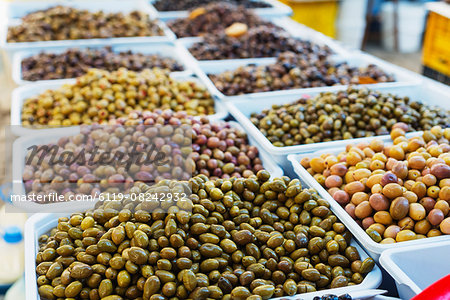 Olives in fresh produce market, Fethiye, Anatolia, Turkey, Asia Minor, Eurasia Stock Photo - Premium Royalty-Free, Image code: 6119-08242932