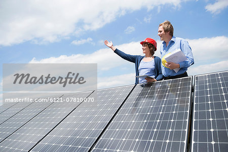 Planning solar park architect meeting Stock Photo - Premium Royalty-Free, Image code: 6121-07810070